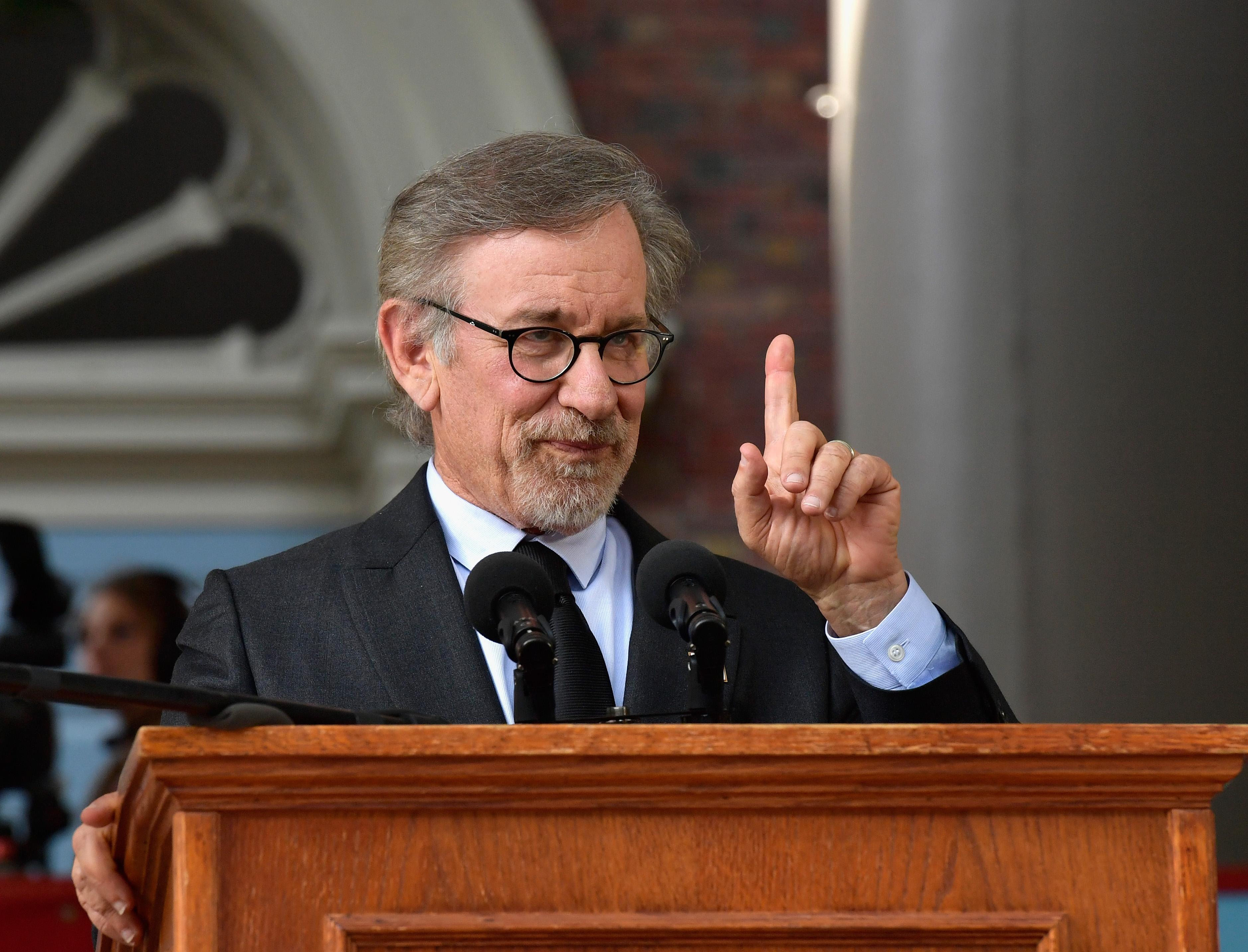 Steven Spielberg Speaks at 2016 Harvard Commencement Day