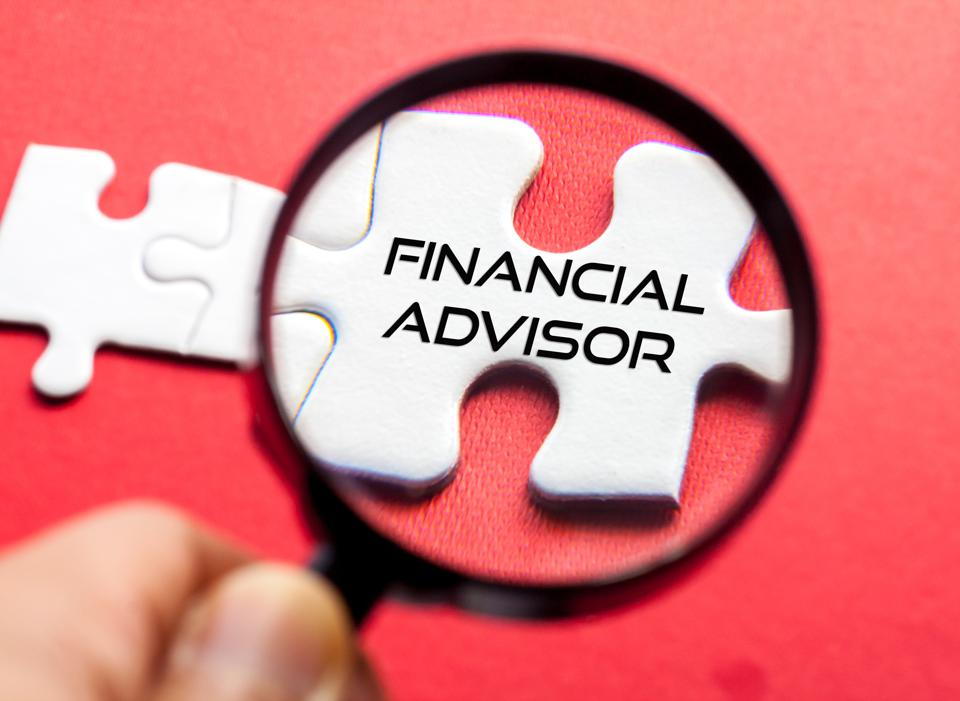 5 Things To Look For When Picking A Financial Advisor