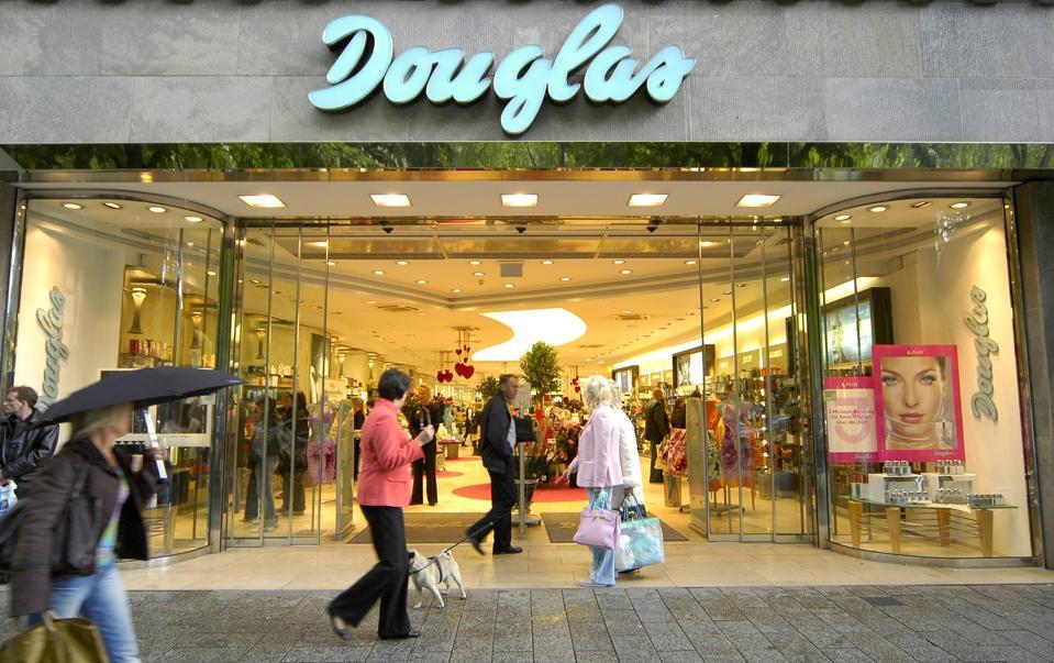 Douglas main High Street storefront in Düsseldorf - Königsallee Douglas Parfumerie