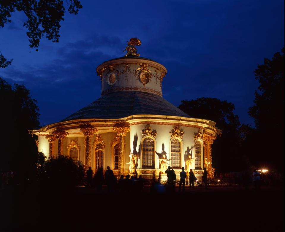 Brandenburg, Potsdam, Schloss Sanssouci : das Chinesische Teehaus bei Nacht