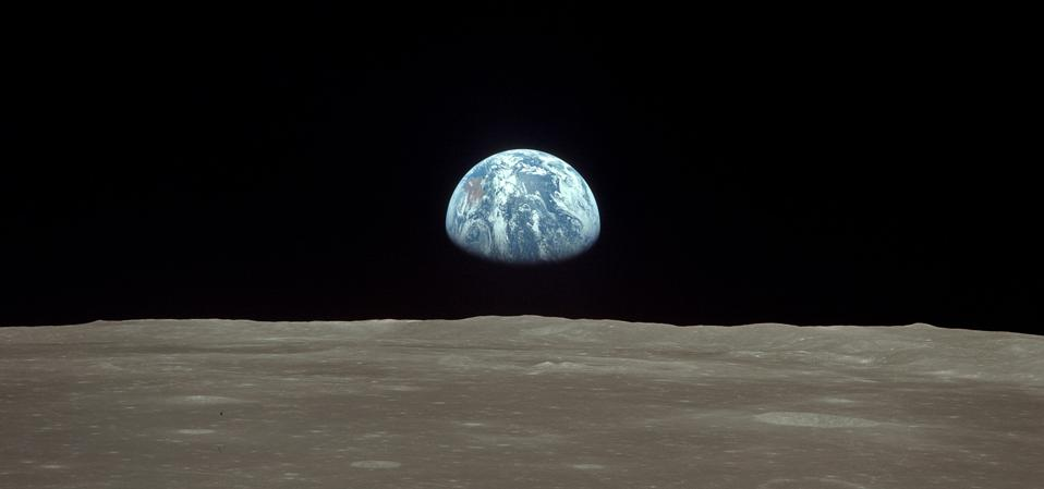 Earthrise sequence: Earth rises over the lunar horizon on July 20, 1969, as seen fro Apollo 11. (Photo by NASA via Getty Images)