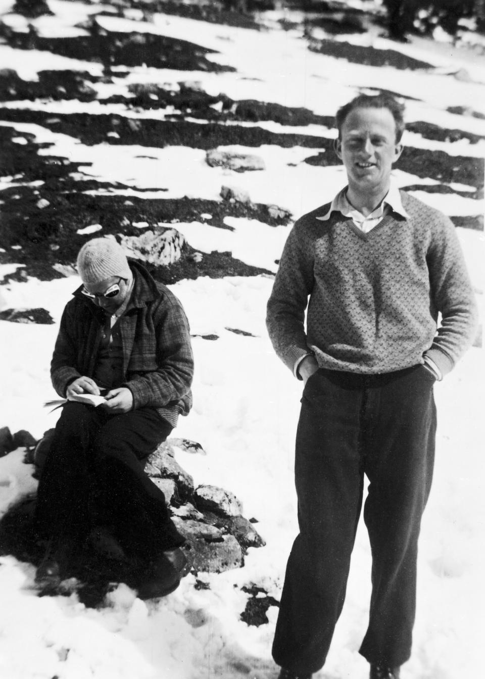 Niels Bohr (L) and Werner Heisenberg on vacation