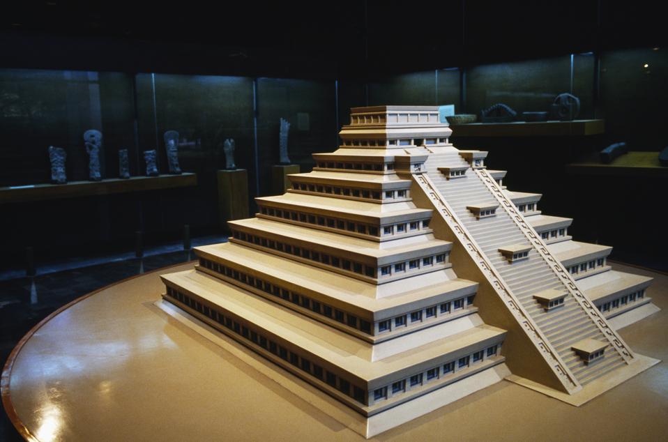 Plastic model of Pyramid of Niches in El Tajin