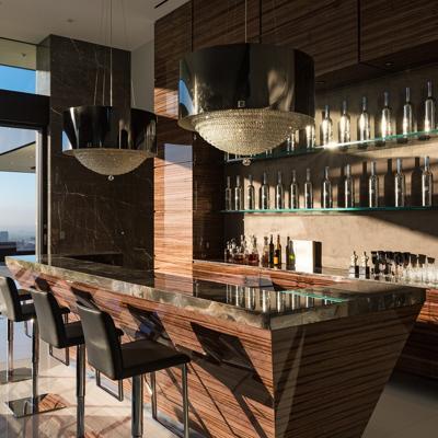 Bars Go Big In Luxury Homes