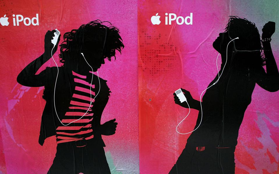 Apple Extends Contracts For 99 Cent Music Downloads
