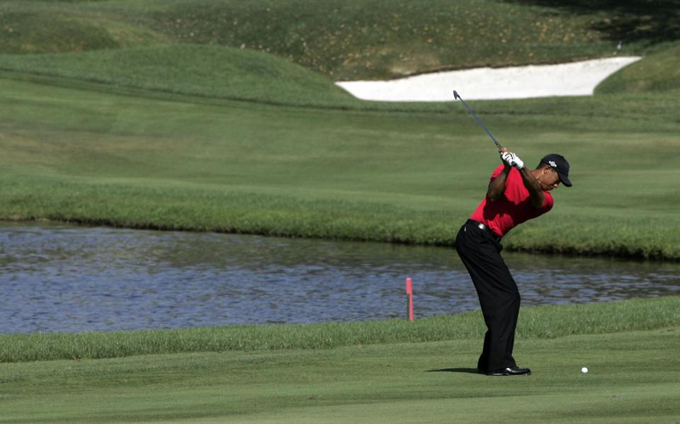 Tiger Woods golf shot