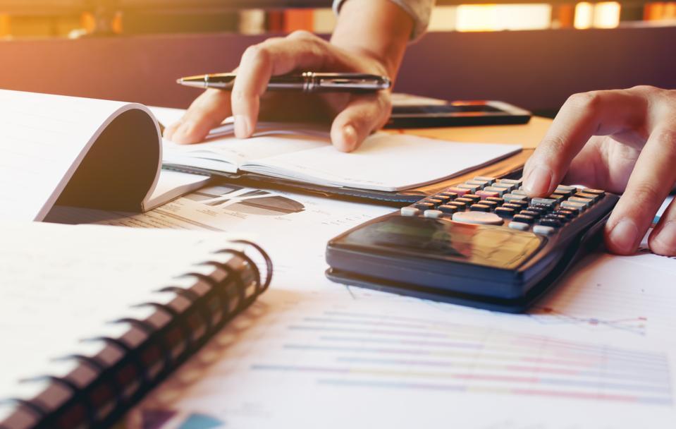 10 Ways To Turn Your Finances Around In 2017