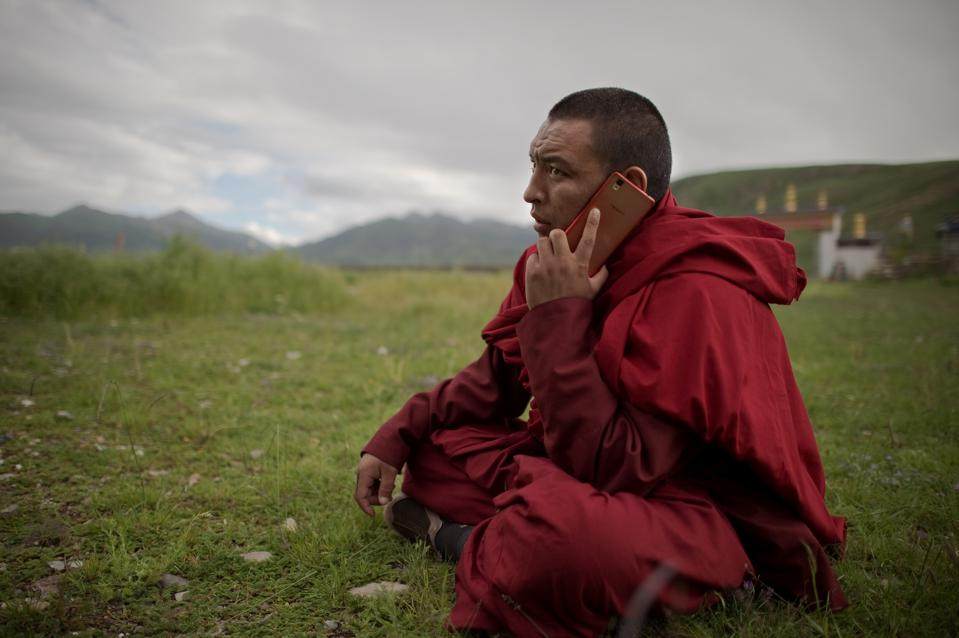 China hacks Tibetans iPhones and Androids
