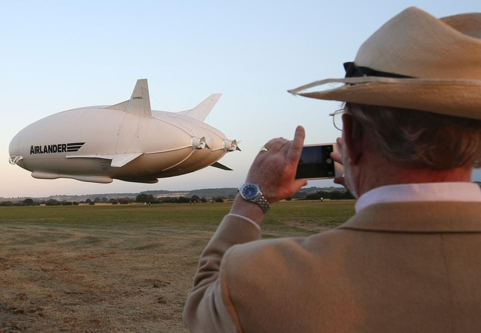 BRITAIN-TRANSPORT-TECHNOLOGY-AVIATION-AIRLANDER-HAV