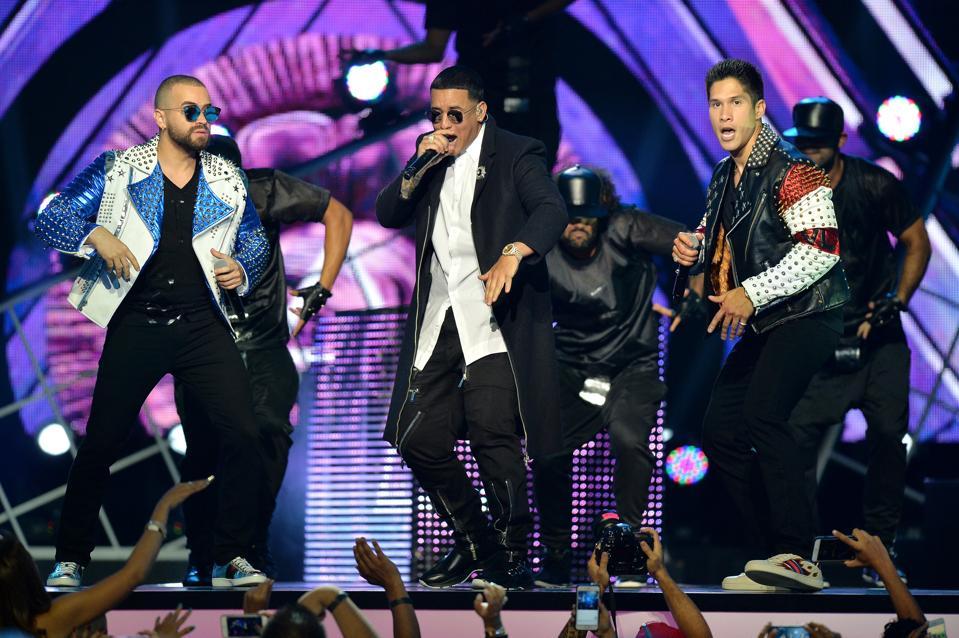 Premios Tu Mundo ″ Your World ″ de Telemundo - Show