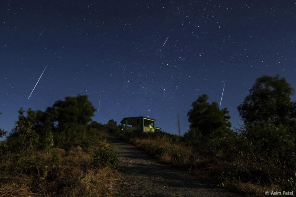 This brief timelapse from the 2013 Geminid meteor shower showcases numerous bright events.