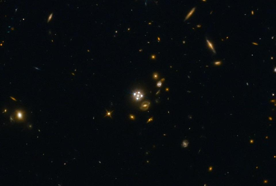 HE0435-1223, at center, is among the five best lensed quasars discovered to date.