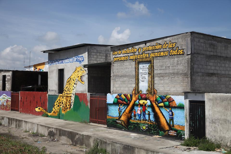 Murals at the Guatemala / Mexico border offer hope to migrants seeking safety and a better life.