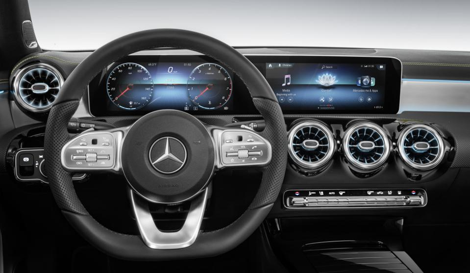 The Mercedes-Benz AI-powered MBUX infotainment system revolutionizes the in-car experience.