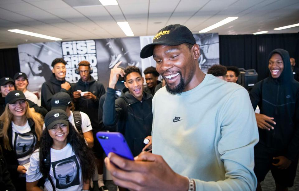 ba6378295d3 Kevin Durant Surprises 80 High School Kids With The Trip Of A Lifetime