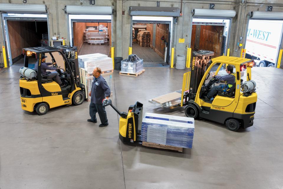 Oracle BrandVoice: Forklift Maker Hoists Dealer, Customer Know-How