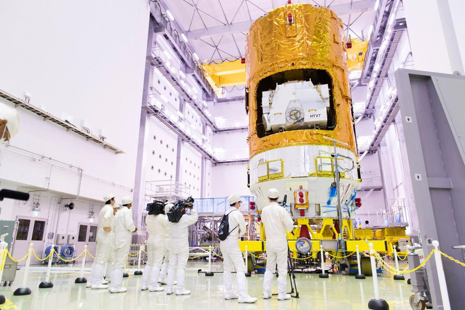 HTV 7 (KOUNOTORI 7) at the Second Spacecraft Test and Assembly Building, Tanegashima Space Center