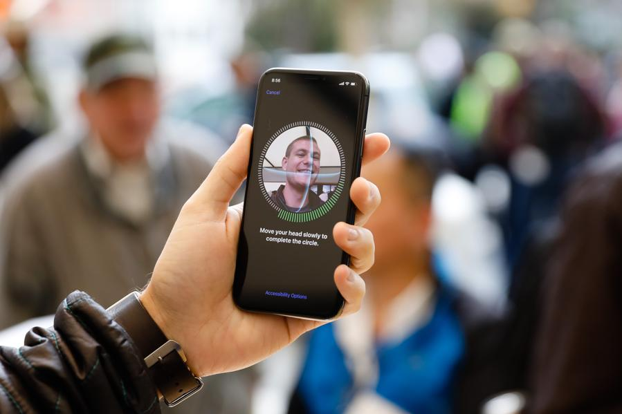 Apple's Face ID Alone Deemed Too Insecure For European Banks