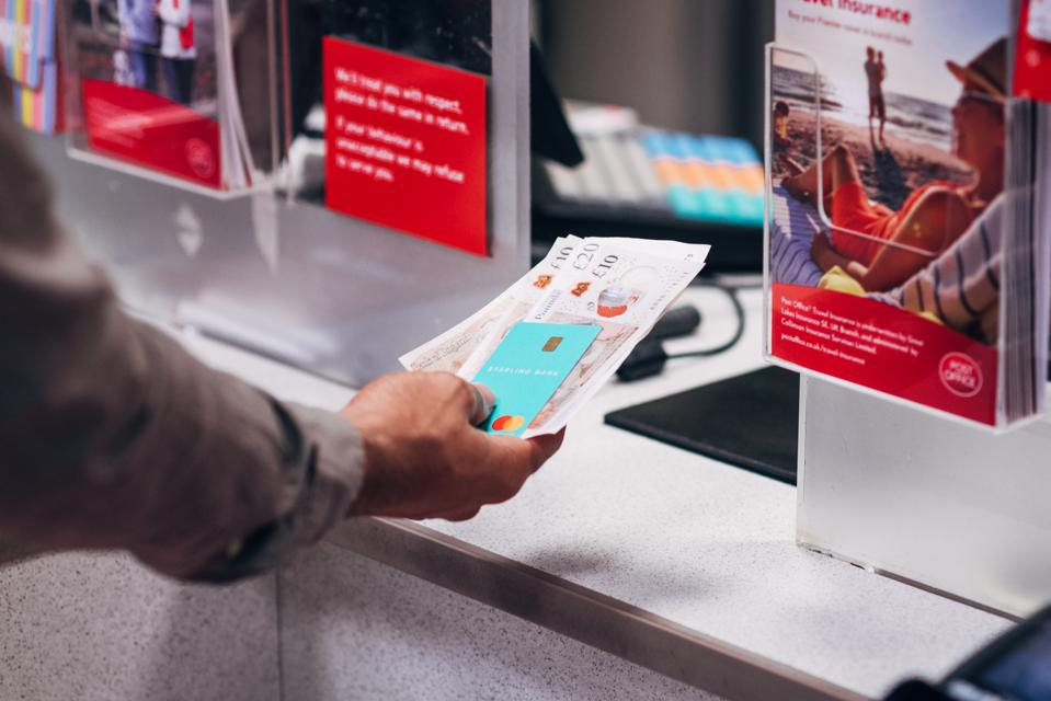 Starling is partnering with the Post Office to let customers make high street deposits.