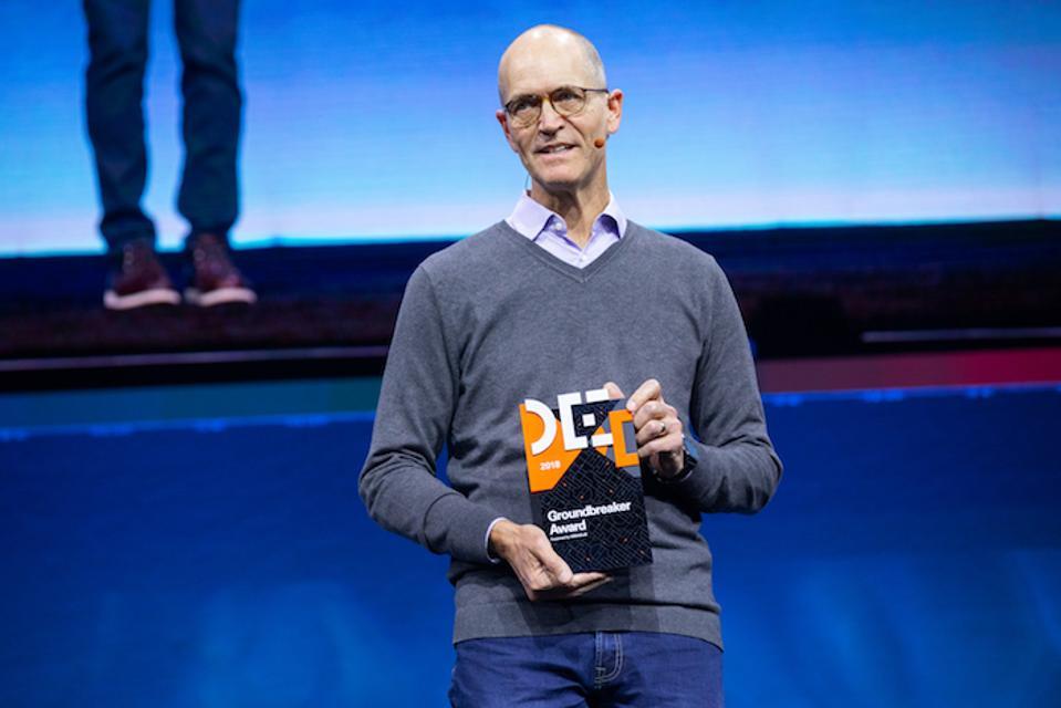 Hadoop Pioneer Says Developers Should Build Open Source Into Their Career Plans
