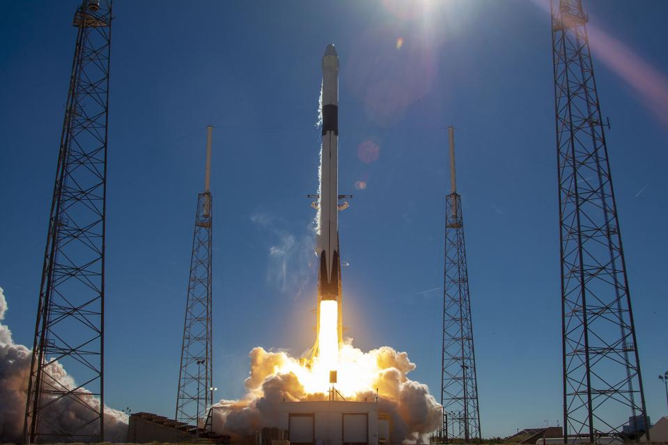 SpaceX Falcon 9 launches a Dragon capsule to the International Space Station