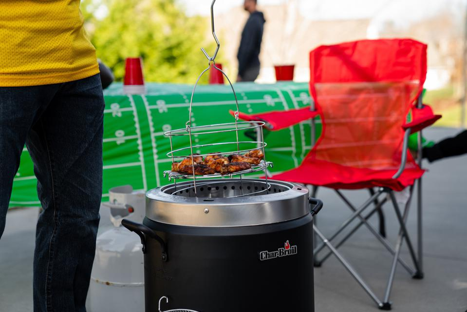 Char-Broil's The Big Easy Oil-Less fryer uses infrared technology to cook killer wings.