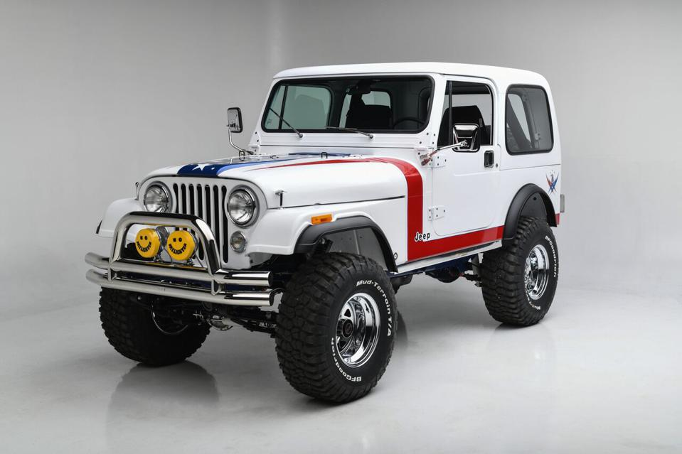 Not a first, but this 1981 Jeep CJ7 Custom SUV took in $1,3 million to benefit the Gary Sinise Foundation to support U.S. veterans.