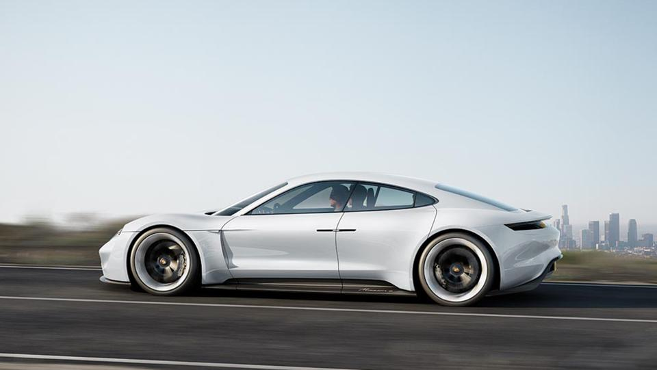 Porsche Borrows From Tesla\u0027s Playbook With Fast,Charge