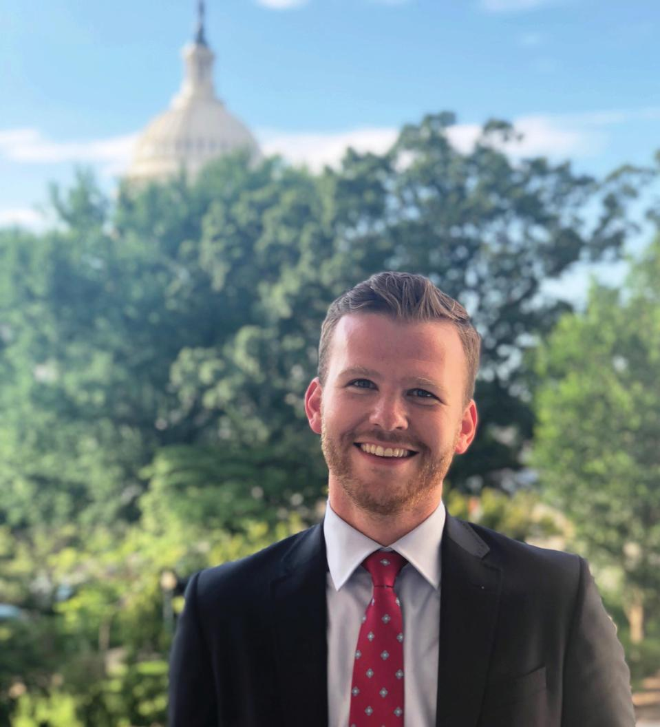 Matthew Salsbury is afgestudeerd aan de University of Missouri-Kansas City en is communicatieadviseur en programmacoördinator voor de universiteitsproma-campagne.