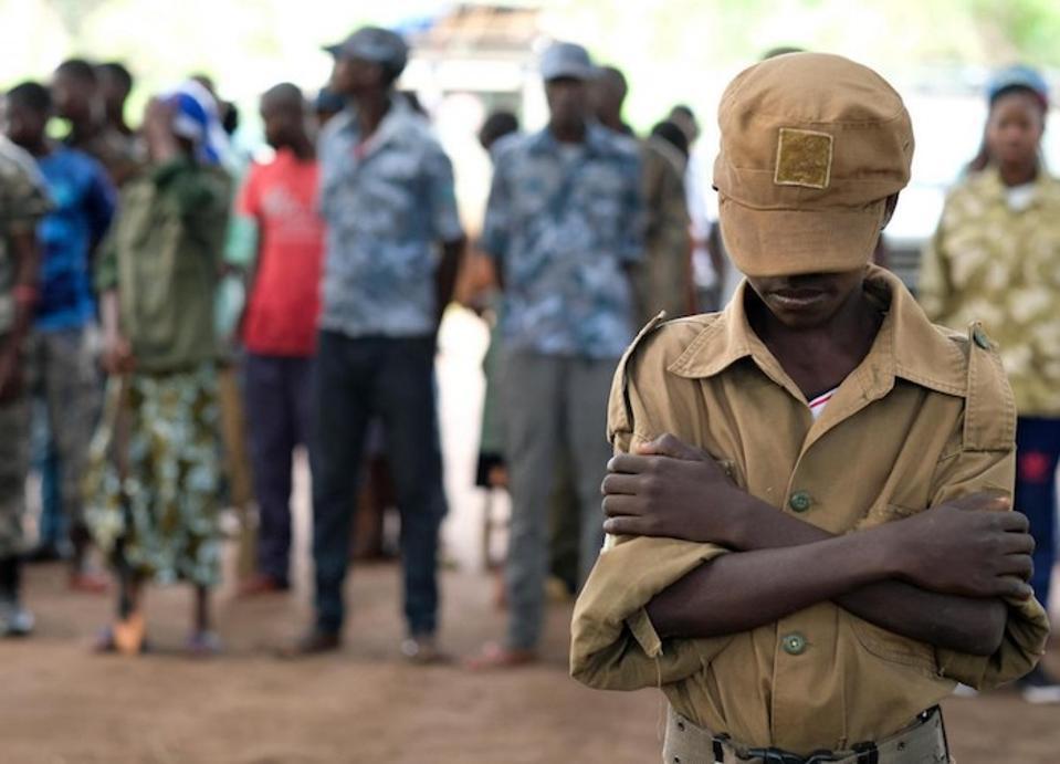 Met de steun van UNICEF werden meer dan 200 kinderen uit de gelederen van gewapende groepen vrijgelaten tijdens een ceremonie in Yambio, Zuid-Soedan in april 2018.