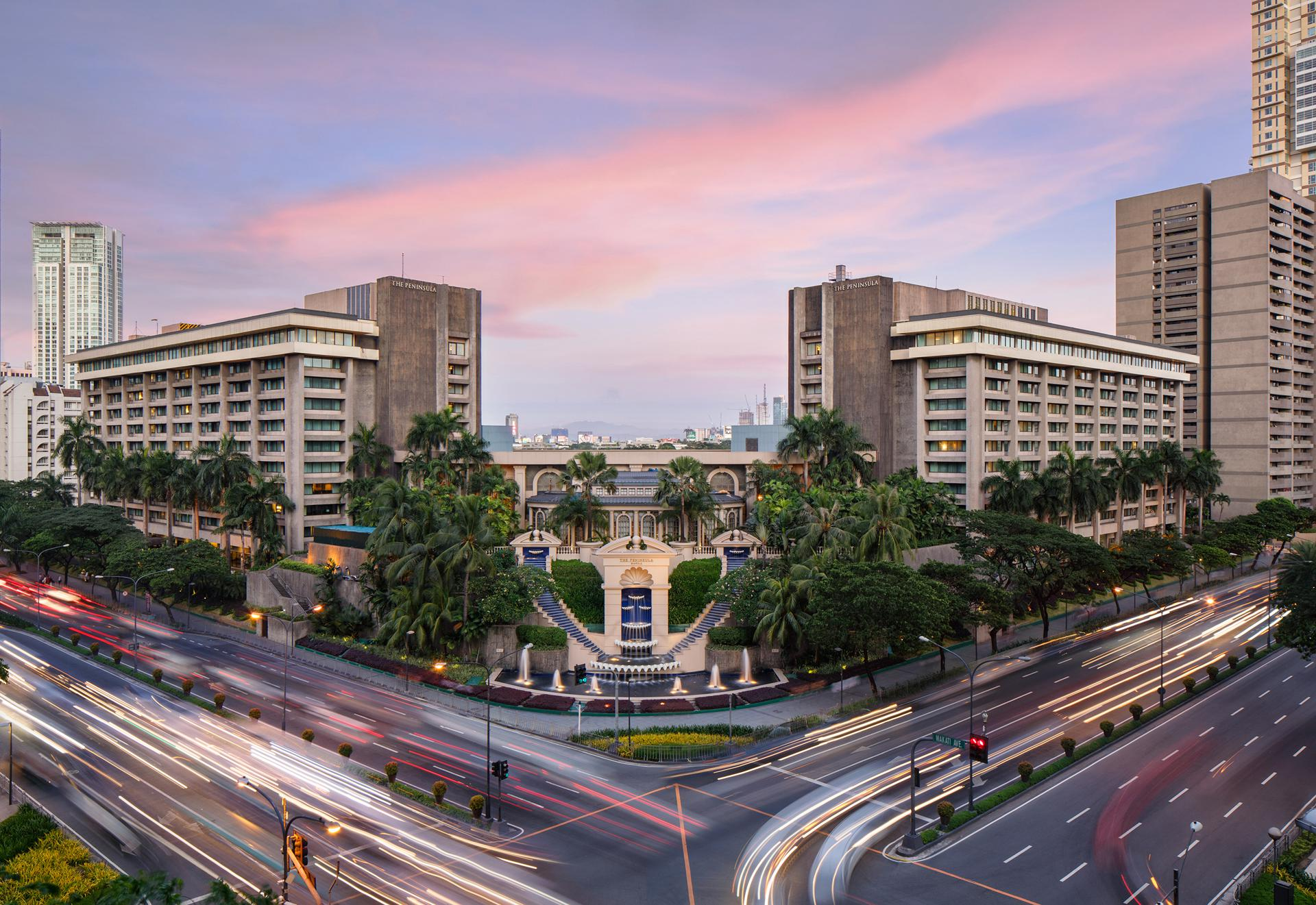 Located in the heart of the Philippine capital, The Peninsula Manila features 8 different room types, including a 3,000-square-foot suite with a full living room, a grand piano, a crystal chandelier, and silk upholstered furniture.