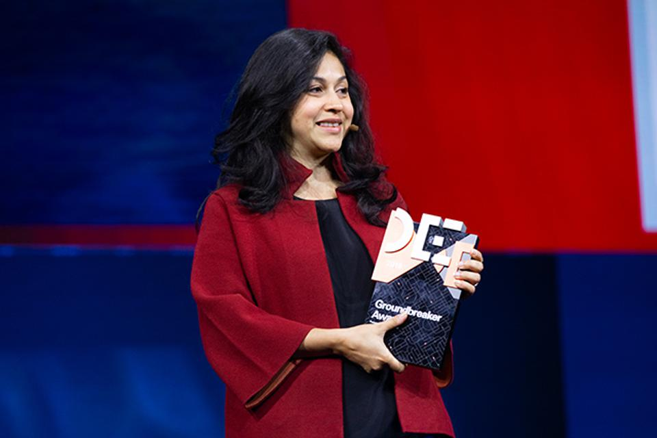 Neha Narkhede, CTO of Confluent, won an Oracle Groundbreaker Award at Oracle Code One.