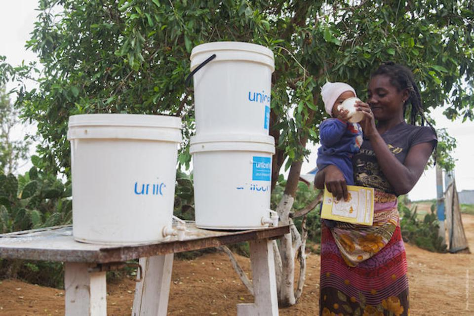 UNICEF and partners provide WASH kits containing clean, safe drinking water and handwashing facilities for basic health centers and schools in Madagascar.