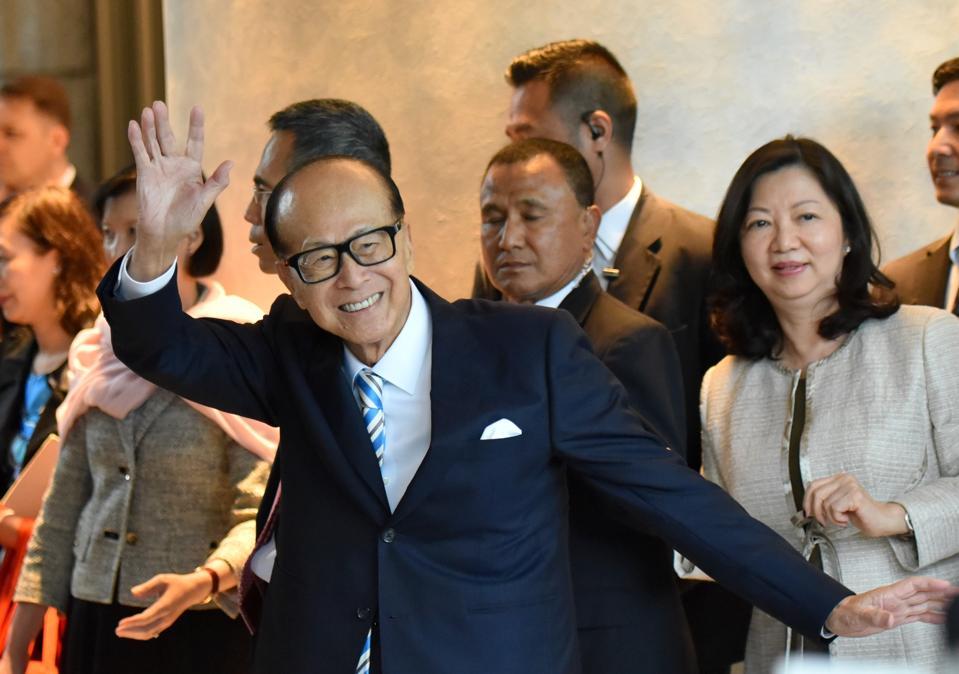 Hong Kong Tycoon Li Ka-shing Retires