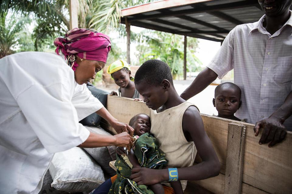 In May 2018, two UNICEF-backed nurses spent a day vaccinating children in the village of Salanga in the Central African Republic.