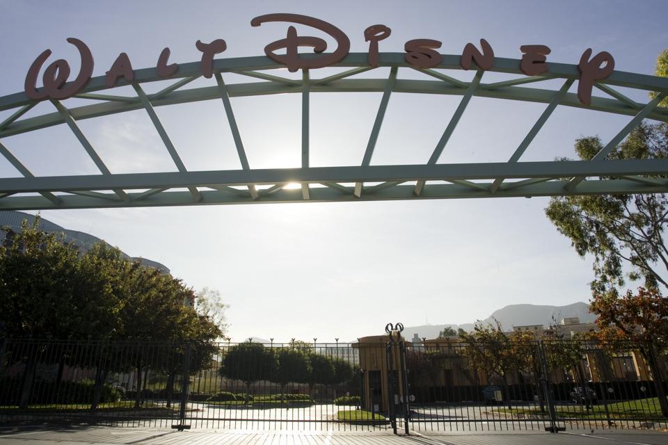 Hollywood Studios' Sales May Fall Below Record $10.6 Billion Without Strong Holiday Season