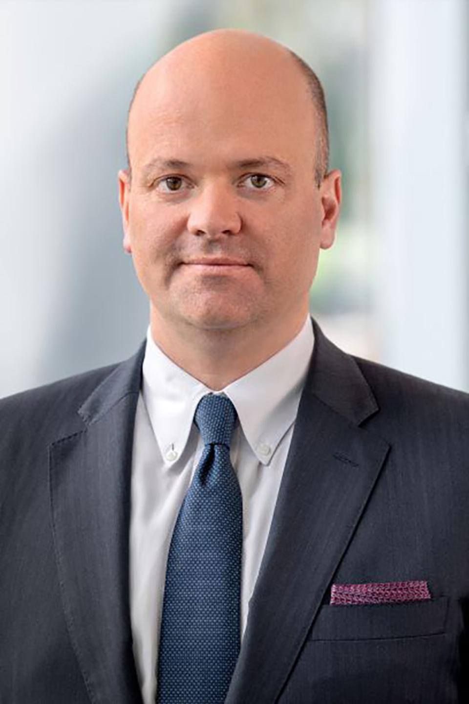 Simon de Montfort Walker is senior vice president and general manager of the Food and Beverage business unit at Oracle.