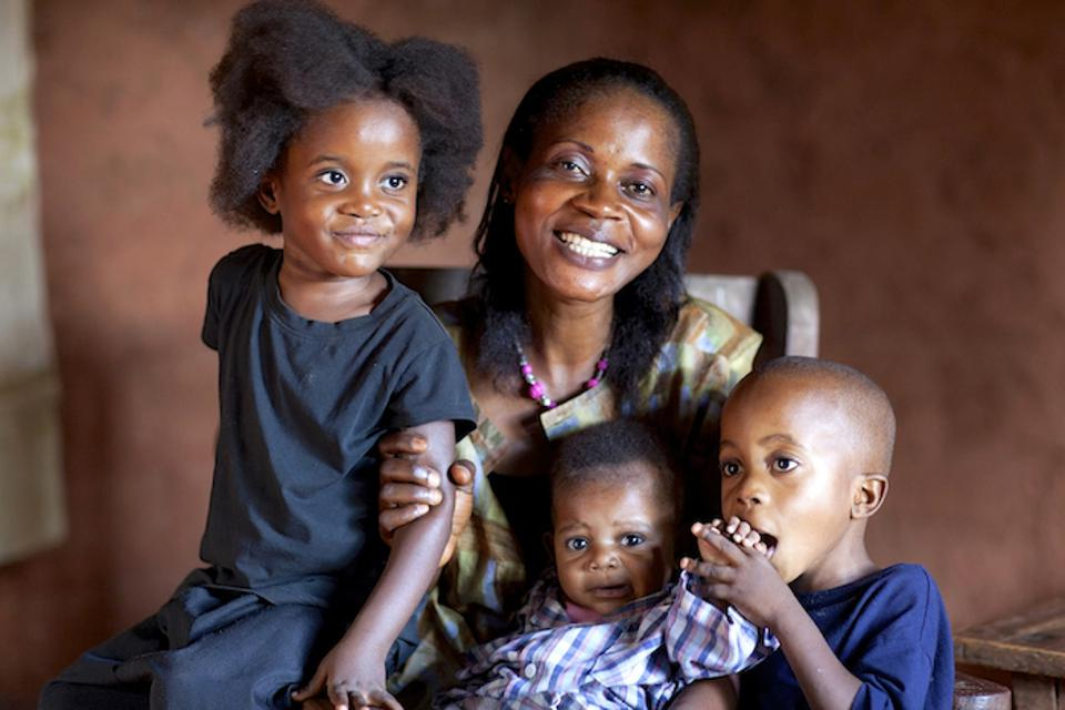 Mama Josephine is a volunteer vaccinator from the Democratic Republic of the Congo (DRC).