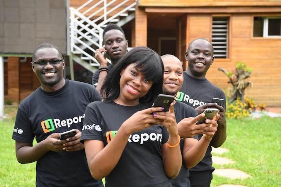 U-reportéri na Pobreží Slonoviny využívajú bezplatný nástroj na vytváranie sociálnych správ, ktorý vyvinula organizácia UNICEF a ktorý podporuje miestne verejné zdravotnícke kampane.