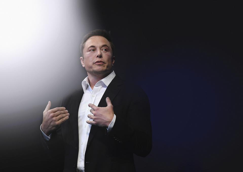 Elon Musk Presents SpaceX Plans To Colonise Mars