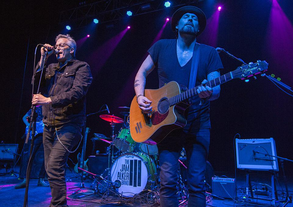 Richard Patrick of Filter joins the Jam Alker Band during the Face The Music Foundation Benefit in Chicago. Monday, May 20, 2019 at the Riviera Theatre (Photo by Barry Brecheisen)