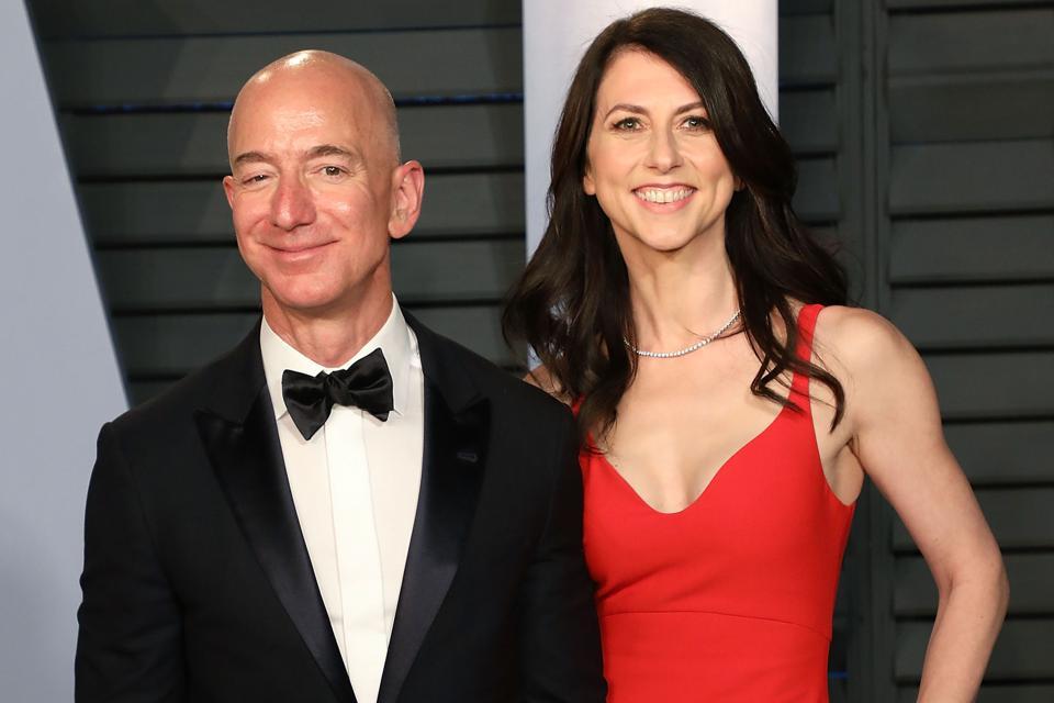 Amazon CEO Jeff Bezos and MacKenzie Bezos at the 2018 Vanity Fair Oscars party.