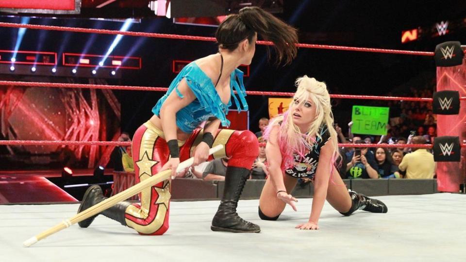 Alexa Bliss vs. Bayley