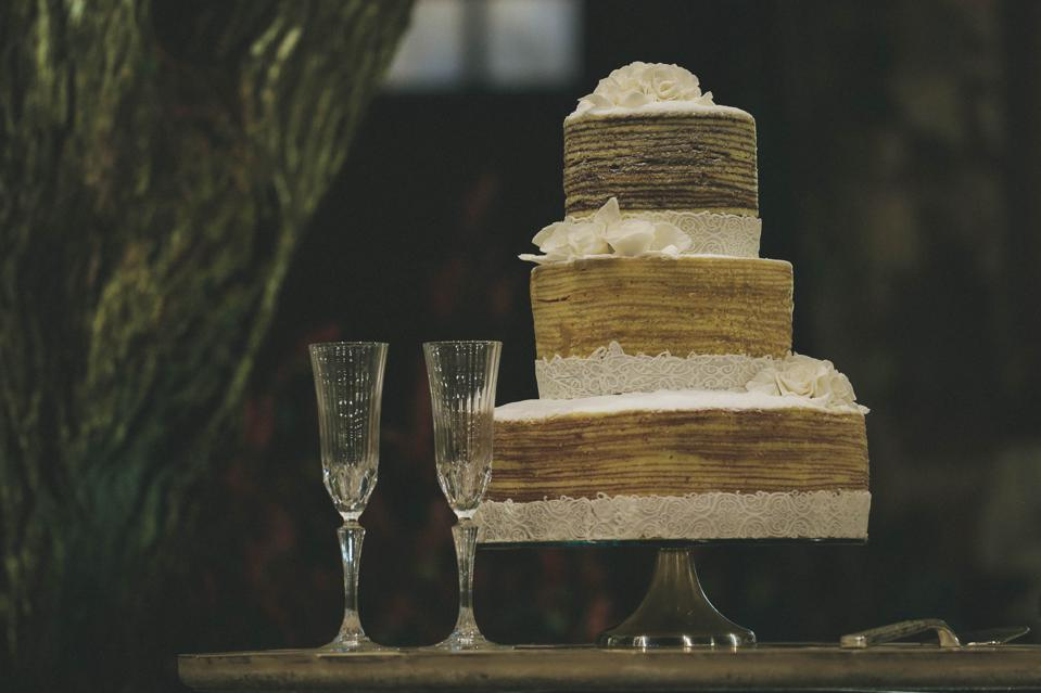 Champagne with wedding cake