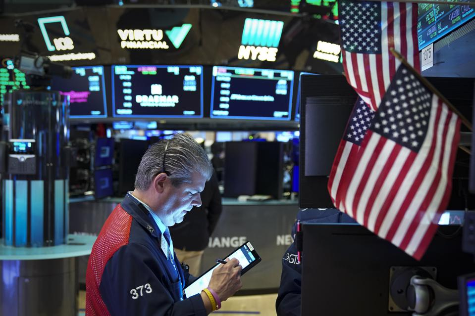 U.S. Markets Close Week After Four Days Of Gains