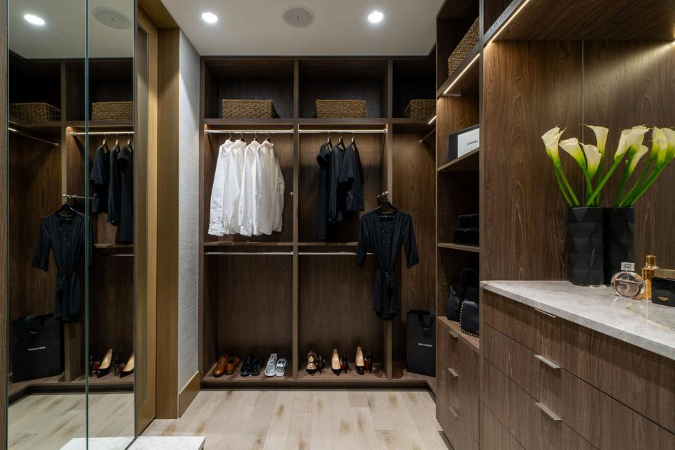 Dressing room and master closet Onni penthouse