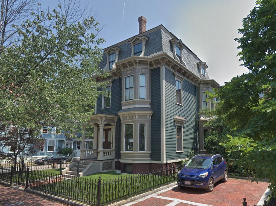 Elizabeth Warren's Cambridge Residence