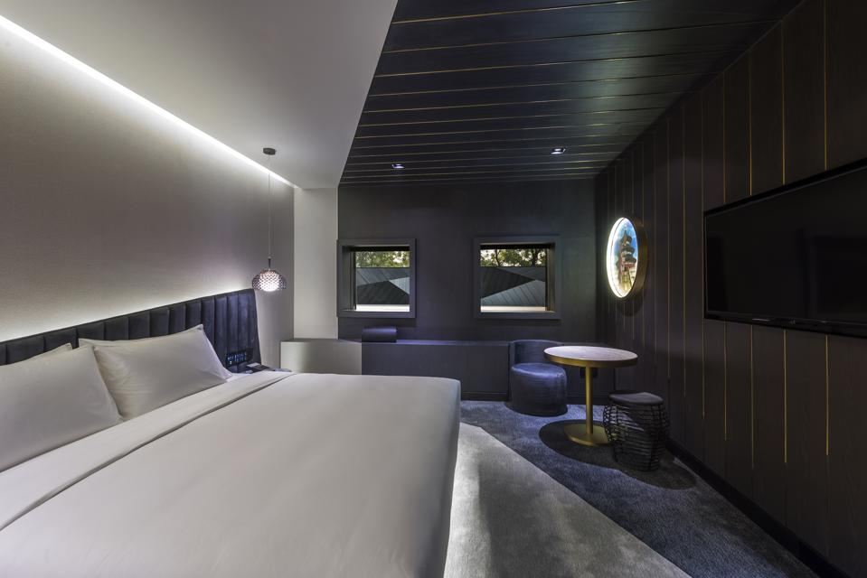 Vue Standard Room at Vue Hotel Hou Hai