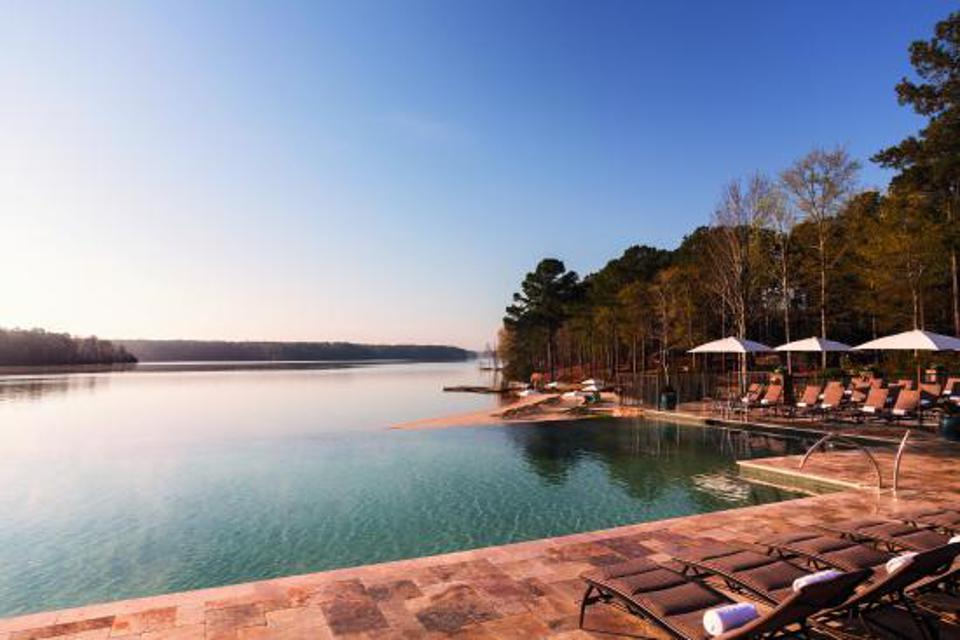 Infinity pool overlooking Lake Oconee in Georgia