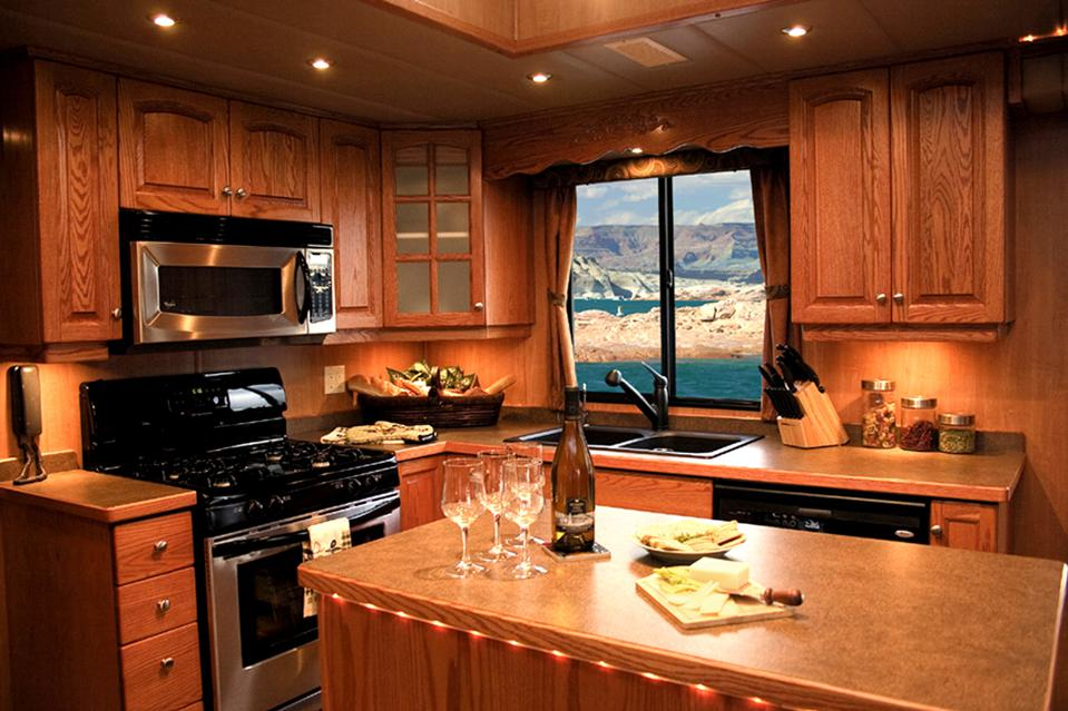 Excursion kitchen